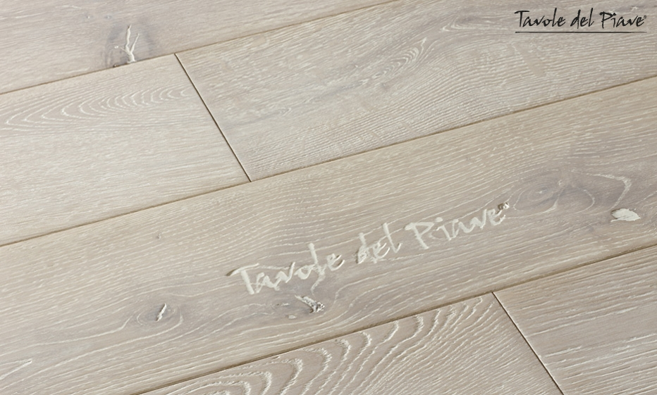 parquet in quercia good sandblasted quercus grey sand varnished with parquet in quercia top. Black Bedroom Furniture Sets. Home Design Ideas